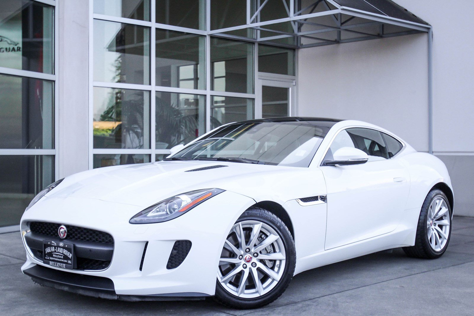 Certified Pre-Owned 2016 Jaguar F-TYPE 2DR CPE AT PREMIU